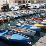 Bardolino am Gardasee mit Booten