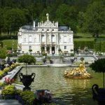 Schloss Lindenhof Schlossgarten mit Teich